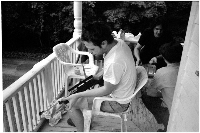 porch_bwtobygun